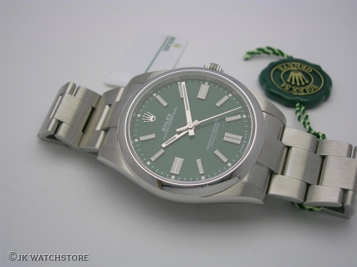 ROLEX OYSTER PERPETUAL 124300 GREEN 41MM NEW MODEL 2020